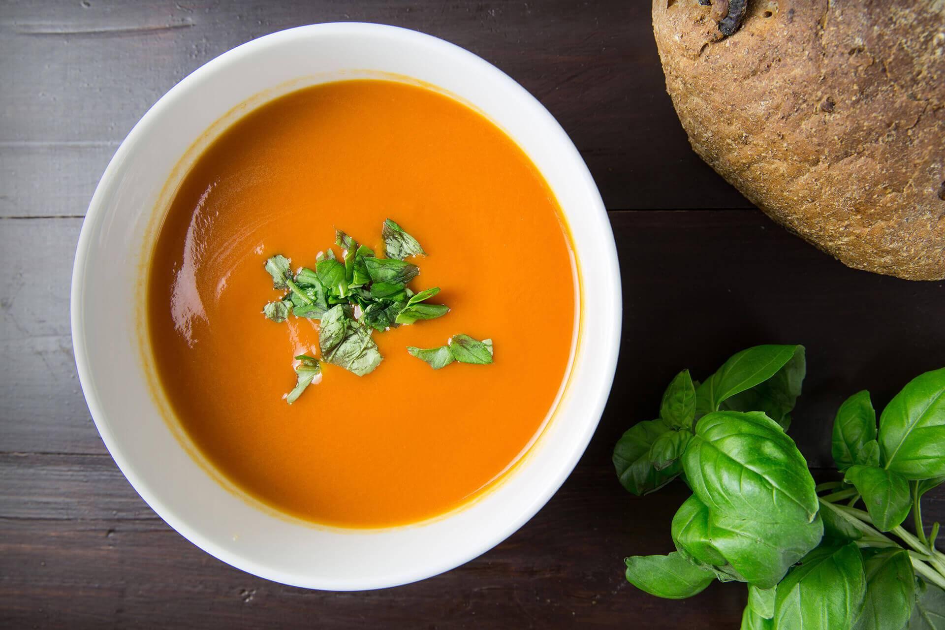 Kusząca zupa pomidorowa z papryką
